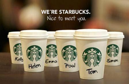Hiperpersonalización de cafés de Sturbucks con nombre escrito